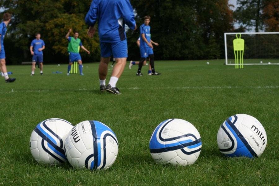 labdarúgó együttműködés
